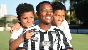 Robinho, 2 bin TL karşılığında transfer oldu