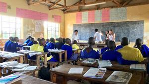 Öğrenciler Afrikada doğayı öğreniyor