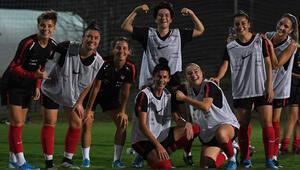 A Milli Kadın Futbol Takımının Antalyadaki hazırlık kampı başladı
