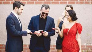 Mutluluğa ilk adım  İsmail Ege Şaşmaz, sevgilisi Hande Ünal nişanlandı