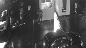 Bakırköyde araç kiralama şirketi sahibine silahlı saldırı kamerada