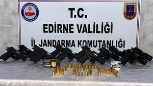 Edirne'de 12 ruhsatsız tabanca ve 85 mermi ele geçirildi