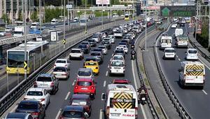 Yüz yüze eğitimde 2. aşamanın ilk günü… İstanbulda trafikte son durum