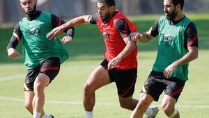 Son Dakika | Galatasarayda Younes Belhanda antrenmanlara başladı