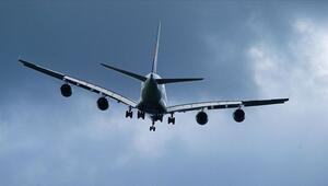 Singapur Hava Yollarının park halindeki uçakta yemek için biletleri yoğun ilgi gördü