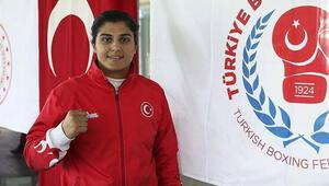 Dünya şampiyonu boksör Busenaz Sürmeneli, kız çocuklarına rol model olmak istiyor