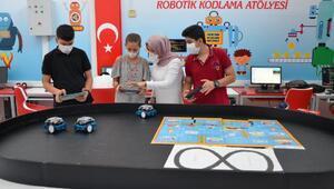 Diyarbakırda çocuklar bilişim dünyasına hazırlıyor