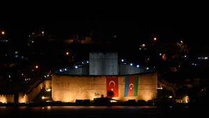 Çanakkale Boğazındaki Gazi Kaleden, Azerbaycana bayraklı destek