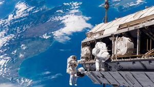 Rus kozmonotlar ve NASA astronotu rekor hızla ISSe ulaştı