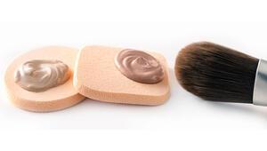 Makyaj fırçaları ve makyaj süngeri arasındaki farklar