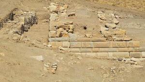 Apameia Antik Kenti yakınında Helenistik döneme ait duvar bulundu