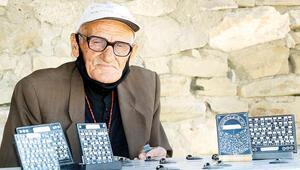 Urartuca bilen 7 kişiden biri olan Mehmet amca işi bırakıyor