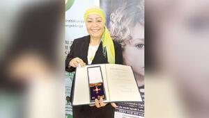 Türk kanser savaşçısına Almanya'dan liyakat ödülü