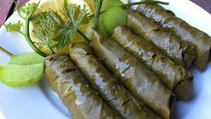 Ege mutfağının lezzetlerini yerinde deneyin... Otlar, zeytinyağı ve deniz ürünleri...