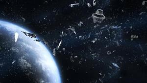 Dünyanın yörüngesindeki iki uzay çöpü çarpışmaktan son anda kurtuldu