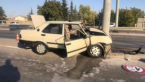 Otomobil yön levhasına çarptı, sürücü hayatını kaybetti