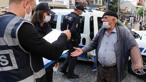 Maskeyi düzgün takmasını isteyen polise: Ben vebalı değilim