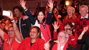 Yeni Zelanda'da Ardern seçimi önde götürüyor