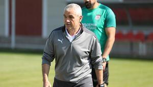 Sivasspor Teknik Direktörü Rıza Çalımbay, Villarreal maçında takımına güveniyor