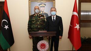 Milli Savunma Bakanı Akar, Libya Genelkurmay Başkanı El-Haddadı kabul etti