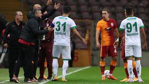Son Dakika | Galatasaray teknik direktörü Fatih Terim ile Alanyasporlu Davidson arasında gerginlik