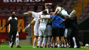 Son dakika haberi | Aytemiz Alanyaspor, Süper Ligde haftayı zirvede bitirdi