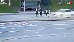 Arnavutköyde otomobilin iki genç kıza çarpma anı kamerada