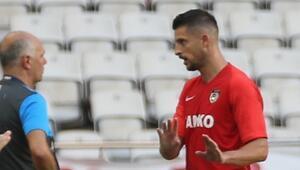Baklava ile transferi açıklanan Mirallas, ilk maçında kırmızı kart gördü Enerjisi fazla geldi...