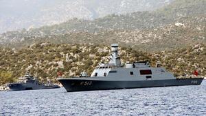 Dikkat çeken gelişme Türk savaş gemileri Akdenizde bekliyor...