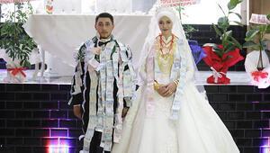 Son dakika haberler: Aşiret düğününde takı yarışı... Koronavirüsü hiçe saydılar
