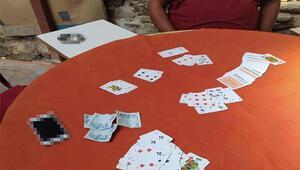 Alaşehir'de kumar oynayan 5 kişiye 6 bin 125 TL ceza