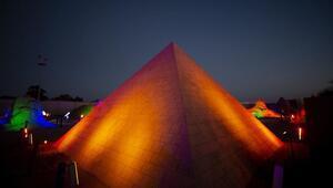 Kumdan Keops Piramidi...  Guinness Rekorlar Kitabına girmeye aday oldu