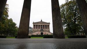 Bergama Müzesi'ne saldırı... 70 tarihi eser...