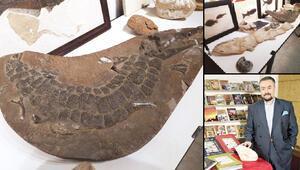 Adnan Oktar'ın fosilleri