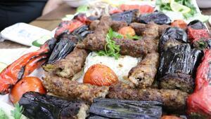Adana ve Şanlıurfalı kebapçılar arasındaki rekabet yeniden alevlendi