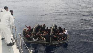 Muğlada Türk kara sularına itilen yüzlerce sığınmacı kurtarıldı