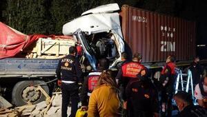 Mermer yüklü TIRa arkadan çarptı, şoför hayatını kaybetti