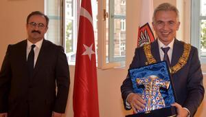Feldmann'dan Türklere övgü: Kent toplumu Türk toplumundan faydalanıyor