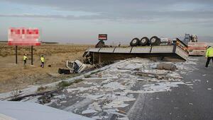 Tır pancar yüklü traktöre arkadan çarptı: 3 yaralı