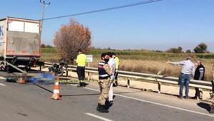 Kamyona arkadan çarpan motosiklet sürücüsü öldü