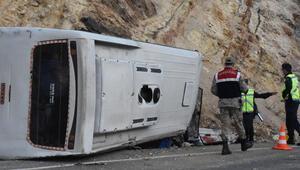 Son dakika haberler: Sivasta tünel işçilerini taşıyan midibüs devrildi: 5i ağır, 15 yaralı