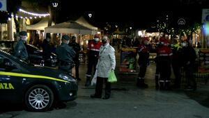 İtalyanın Napoli kentinde sokağa çıkma yasağı olaylı başladı