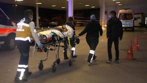 Şarampole devrilen otomobilde 3 kişi yaralandı