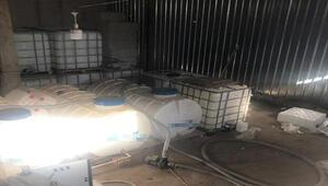 Sultangazide kaçak imalathaneye baskın; 3 buçuk ton sahte içki ele geçirildi