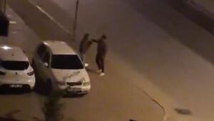 Genç kıza tokat attı, vatandaşlar tepki gösterince kaçtı