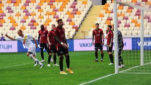 Yeni Malatyaspor - Gençlerbirliği maçından fotoğraflar