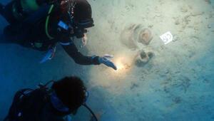 Bilim insanları 4 bin yıllık yüzlerce tarihi esere ulaştı