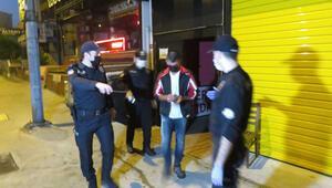 Ataşehirde eğlence mekanına baskın: 49 kişiye para cezası