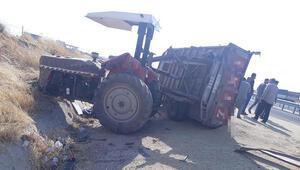Diyarbakırda traktör ile minibüs çarpıştı: 2 yaralı