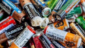 Çöpe atılan eski piller neden patlıyor